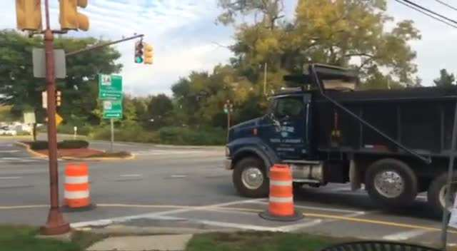 Dump Truck taking left hand turn without any issue
