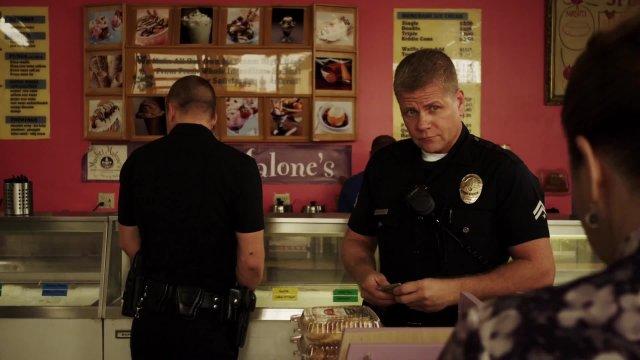 Southland Season 5 Baskin Robbins