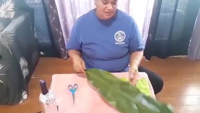 How to Make a Ti Leaf Lei