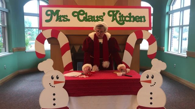 Mrs. Claus' Kitchen (Gingerbread House)