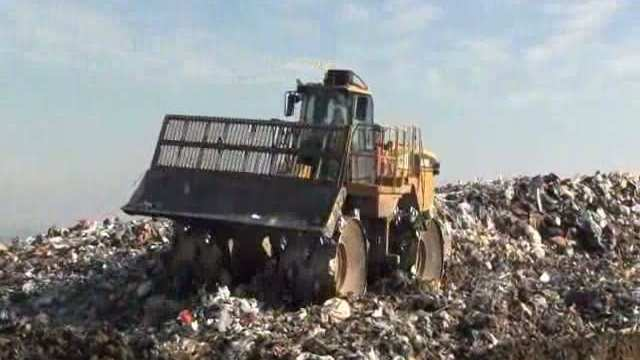 60 Ton Landfill Compactor at work